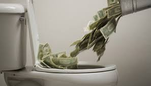 Resultado de imagem para dinheiro pelo ralo