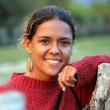 Claudia Cardenas Urodzona w sercu kolumbijskich Los Llanos. Pasjonatka podróży, w których najważniejsze są dla niej ... - bac003