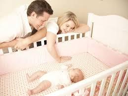<b>Уход за</b> ребенком до года: основные правила и советы родителям