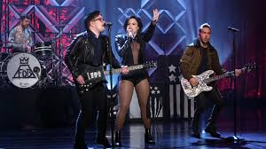 Demi Lovato & Fall Out Boy Perform 'Irresistible' - YouTube