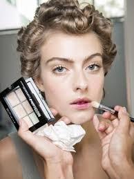 Как поправить макияж: 10 правил от визажистов