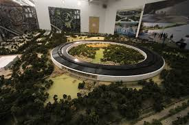 apple has a room size model of the new campus in a building on site apple cupertino office