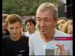 Deep Purple In Turkey - Ian <b>Gillan</b> meets Georgian <b>fans</b> [with ...