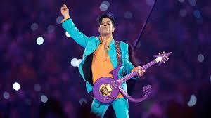"<b>Prince</b> Performs ""Purple Rain"" During Downpour | Super Bowl XLI ..."