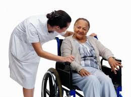 Resultado de imagem para cuidadorde idosos