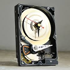 hard resols hard drive clock noveltystreet it s basically a hard drive repurposed as a clock but it also looks good and will fit most man caves these clocks will also work well in showing off your