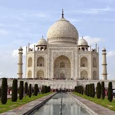 Behind the Scenes of the <b>Taj Mahal</b>