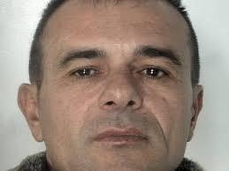 (Adnkronos) - Salvatore Caruso, 46 anni, deve rispondere dei reati di associazione mafiosa, traffico e spaccio di stupefacenti, detenzione di armi ed ... - caruso_salvatore_foto_polizia--400x300