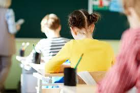 Родители украинских школьников требуют вернуть <b>русский язык</b> ...
