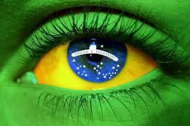 Resultado de imagem para Bandeira do Brasil a tremular imponente fotos