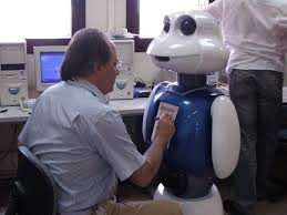 Master in Robotics and Automation   UC M UC M Miguel Angel Salich director del m  ster con un robot
