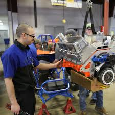 auto mechanic school automotive technician repair programs wyotech wyotech students learn about drivetrain systems