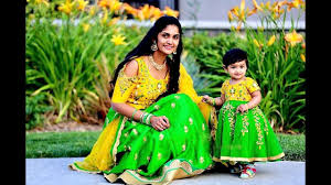 <b>Mom</b> And <b>Daughter</b> Matching Indian <b>Outfits</b> - YouTube
