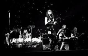 File:<b>Alice Cooper Killer</b> Tour 1972.jpg - Wikimedia Commons