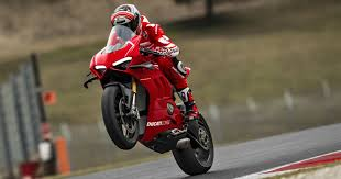Hail to the king: <b>Ducati's</b> new <b>Panigale</b> V4R is the most powerful ...