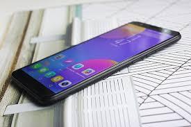 Обзор <b>смартфона Tecno Spark</b> CM: яркий бюджетный селфифон ...