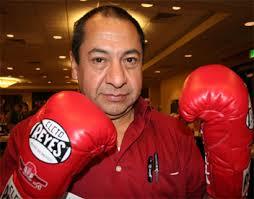 Don Cleto Reyes en el Museo de Leyendas del Boxeo del CMB - ReyesAlberto410NF1