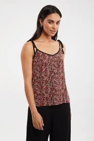 <b>Spaghetti strap floral</b> print t-shirt - Pants - Clothing   TRISTAN