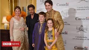 Justin Trudeau's 'Bollywood' wardrobe amuses Indians - BBC News