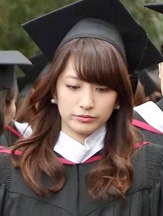 卒業式の笹崎里菜
