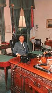 jfk at his oval office desk bill clinton oval office rug
