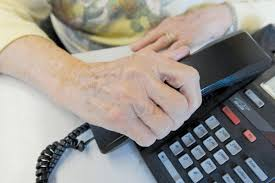 Canadian Tire employee foils $1,000 senior gift card scam ...