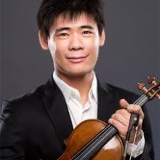 Born in Inner Mongolia, Xiang moved to Shanghai at the age of 11 and received his early training from violinist Qing Zheng at the Shanghai Conservatory. - 20130327_xiang-yu_9