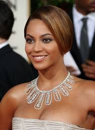 Beyonce Knowles sul tappeto rosso dei Golden Globes 2009. Beyonce Knowles sul tappeto rosso dei Golden Globes 2009. < Precedente | Successiva > - beyonce-knowles-sul-tappeto-rosso-dei-golden-globes-2009-101429
