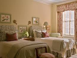 Bedroom For Two Twin Beds Guest Bedrooms With Twin Beds Home Design Ideas