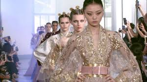 ELIE SAAB Haute Couture <b>Autumn</b> Winter <b>2019</b>-20 Fashion Show ...