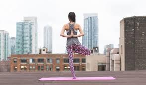 <b>Йога для</b> начинающих в домашних условиях: упражнения ...