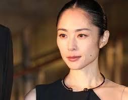 深津絵里の母・諭美子さん「余命3カ月」末期がんとの闘い | ガールズ ...