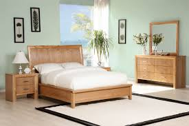 pictures simple bedroom: simple bedroom cozy feng shui bedroom design using white fitted sheet and with