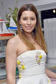 The 36-year old daughter of father Jonathan Edward Biel and mother Kimberley Conroe Biel, 173 cm tall Jessica Biel in 2018 photo