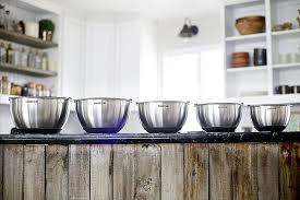 <b>5 Pc Stainless Steel</b> Mixing Bowl Set With Lids, Large 5 Quart Capacity