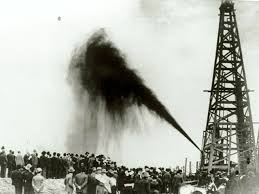 「1901, huge oil field discovered in spindle top」の画像検索結果