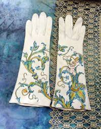 Beautiful <b>victorian</b>-style gloves. | Wedding gloves, <b>Hand painting</b> art ...