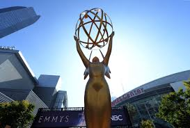 Who's Hosting the 2019 Emmys? Presenters, Nominees and More ...