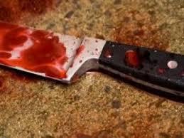 Resultado de imagem para faca cravada no pescoço