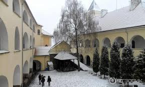 Картинки по запросу фото мукачевского замка зимой