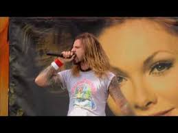 <b>Rob Zombie</b> - Dragula (<b>Live</b> @ Ozzfest 2005) - YouTube