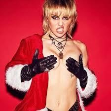 Miley Cyrus Nude Photos & Naked Sex Videos