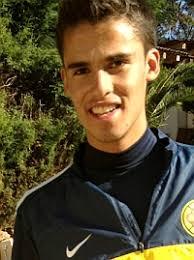 El argentino de origen paraguayo Juan Manuel Iturbe, de 19 años, dio la bienvenida al central mexicano Diego Reyes, recientemente fichado por el Oporto, ... - 1355844203_extras_mosaico_noticia_1_1