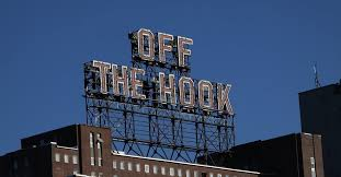 <b>Off The</b> Hook – Montreal's Apparel & Sneaker Boutique Since 1999