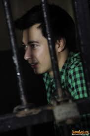 Eza Gionino jalani Ramadan di sel tahanan. Lihat Juga: Sup dan Udang, Menu Ramadan Andalan Dewi Sanca · Septy Sanustika Sedih Jalani Ramadan Tanpa Suami - eza-gionino-173
