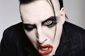 Speaking to Perou, the man who has photographed <b>Marilyn Manson</b> ...