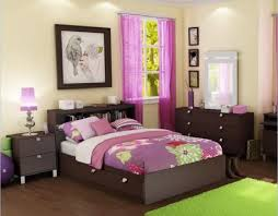 decorate a small bedroom