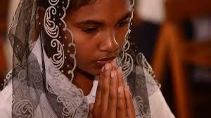 Sri-Lanka-<b>girl</b>-<b>praying</b>-in-M - Missio