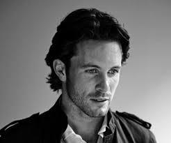 Jan Hartmann, dopo aver recitato in molte serie TV, ha trovato la notorietà in Italia interpretando ... - jan-hartmann