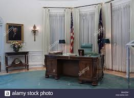 oval office desk replica of oval office desk during lbj39s term at lyndon b johnson library carpet oval office inspirational